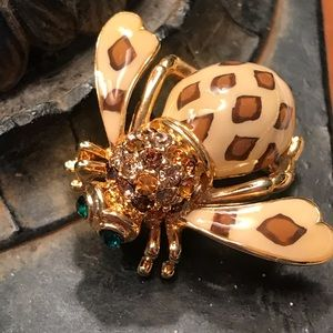 Joan of the Jungle Leopard Cheetah bumblebee pin